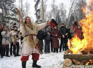 Happy Rus Pagans kickin' it up for Dazhbog, the God of Fire. The growing number of Slavic Pagans/Heathens across Eastern Europe makes me very happy and hopeful. Honoring the Gods of Place IN Their actual lands is very powerful.