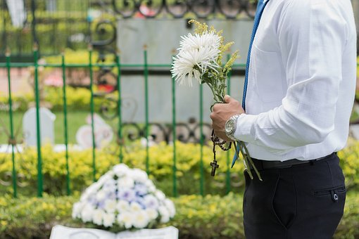 funeral-2511124__340