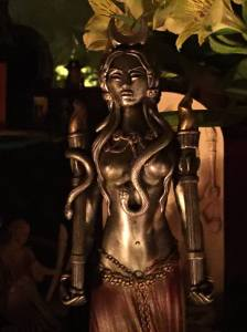 Hekate statue_tall